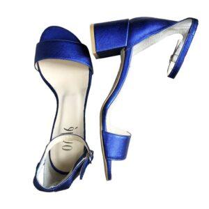 Sandalo at148 pellame laminato gomma colore blue.