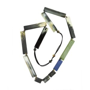 Collana linea luxory lunga rettangolare blue e vari colori.