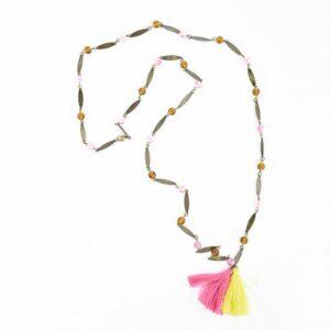 Collana foglioline e palline bronzo con giummetti giallo/rosa.