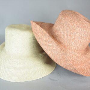 Cappello in cotone e raffia vari colori.