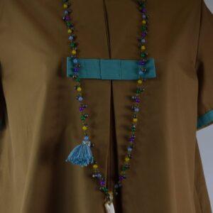 Collana donna  nome articolo palermo con perline e campanellini colorati,corno in osso chiaro e nappina viola collezione primavera estate 2019 nostra produzione