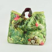 Borsa nostra produzione artigianale con nappine colore verde  due manici tasca interna collezione primavera estate 2019