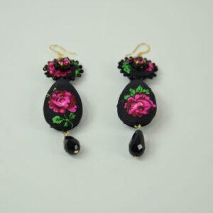 Orecchino donna nostra produzione artigianale in seta e fiori colorati nero e rosso collezione primavera estate 2019