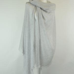 Mantella grigio chiaro