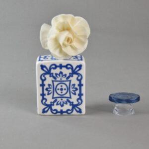 Bottiglia diffusore profumo quadrata 100 ml con fiore oltremare